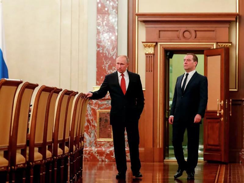 Putin Myedvedevga yangi lavozim taklif qildi