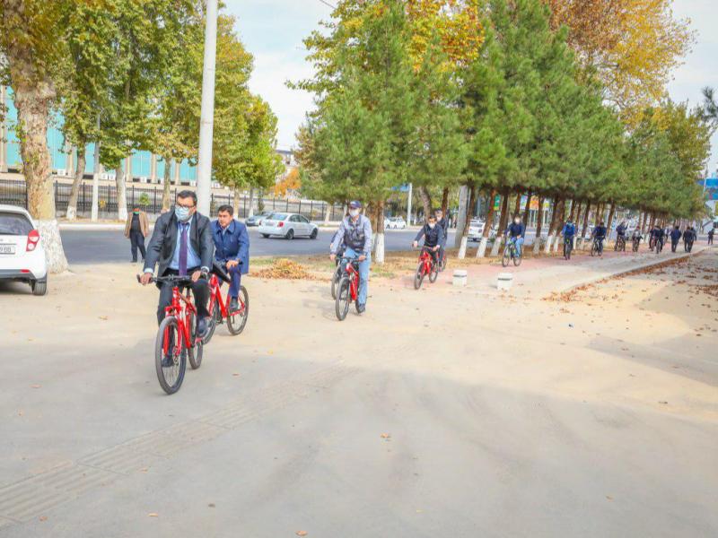 Абдуҳакимов бошчилигида каттаконлар Тошкентни велосипедда айланиб чиқди
