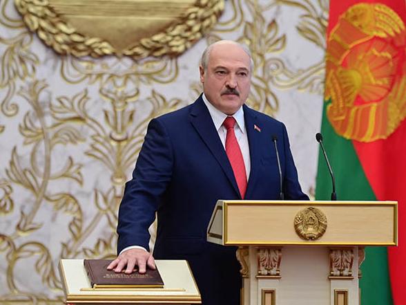Лукашенко яна қасамёд қилди. Инаугурация куни сир тутилганди