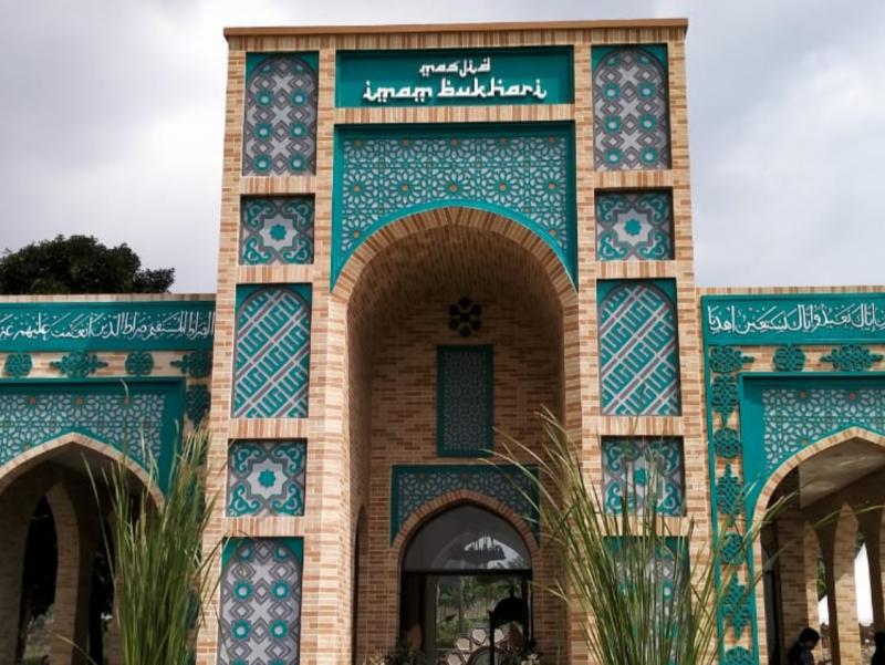Indoneziyada Imom Buxoriy nomidagi masjid ochildi