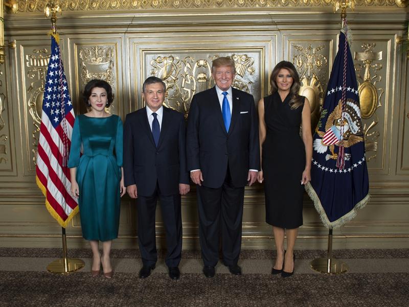 Пандемия фонидаги байрам: Шавкат Мирзиёев Трампни табриклади