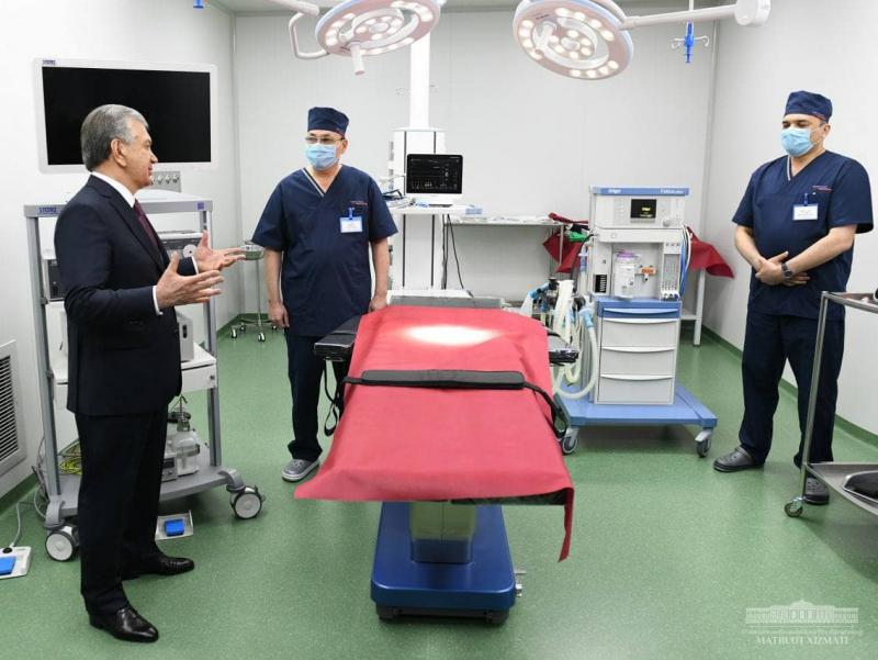 Президент Самарқанддаги замонавий клиникани бориб кўрди